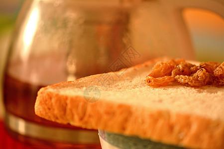 英伦早餐全麦吐司葡萄干配红茶图片