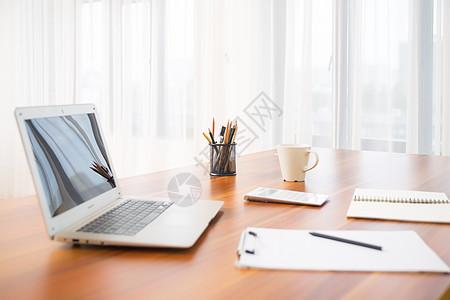 办公桌文具电脑图片