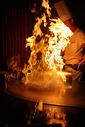 铁板烧 铁板料理 点火 图片