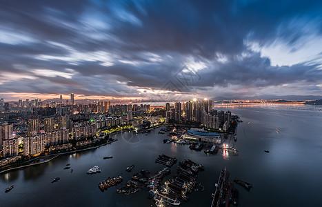 黎明前的深圳湾城市风光图片