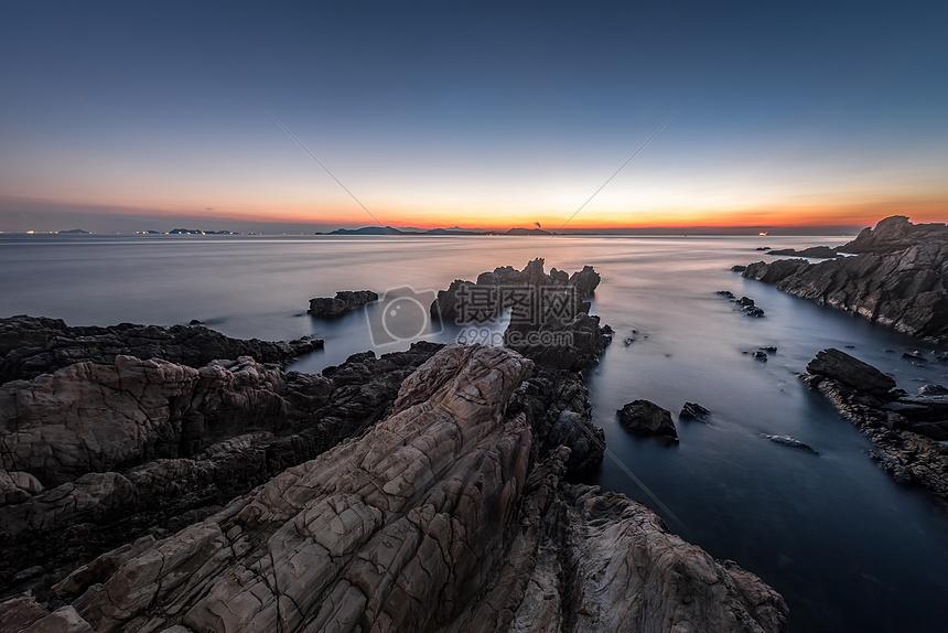 大海与岩石的守望