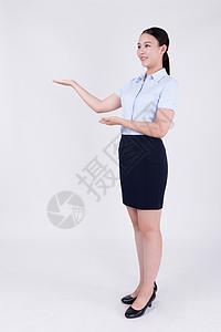 职业女性客服展示欢迎动作全身人像图片