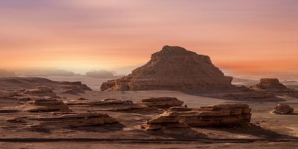 黄昏沙漠背景图片