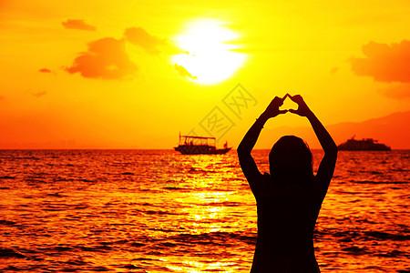海边看夕阳高清图片