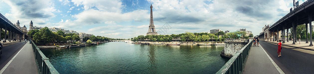 手机拍摄夏天旅游季巴黎埃菲尔铁塔及塞纳河全景图片