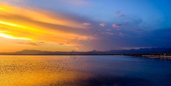 茶卡盐湖奇观图片