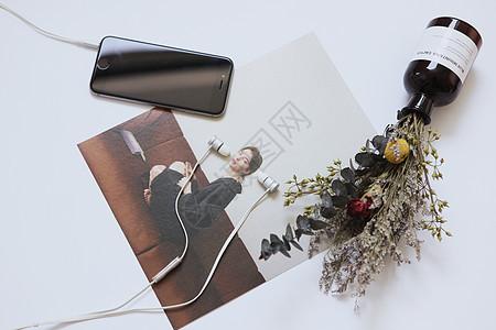 干花杂志和手机图片