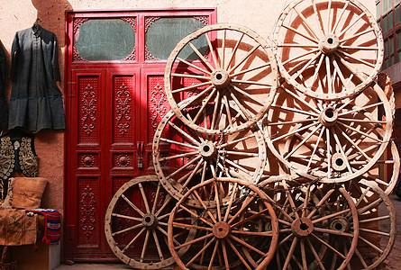 喀什土陶的车轮子图片