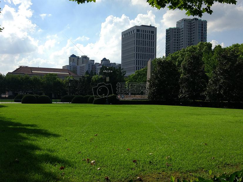 上海交大校园图片_上海交通大学校园高清图片下载-正版图片500586172-摄图网
