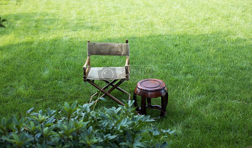 唯美图片 自然风景 禅意椅子绿色草地自然静谧诗意生活jpg  分享: qq