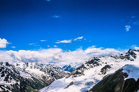 独库公路路边雪山图片