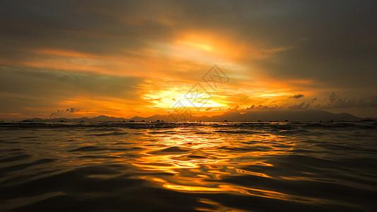 海上落日图片