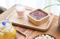 日式早餐牛奶面包八宝粥图片