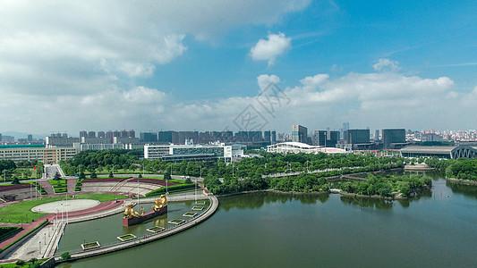 南昌大学双龙雕塑图片