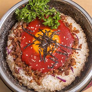 韩式泡菜牛肉石锅拌饭图片