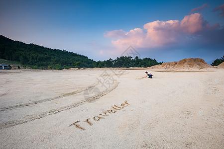 沙滩汽车背景图图片
