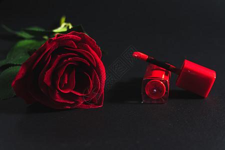 高贵的玫瑰与口红图片