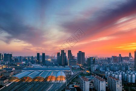 武汉黄昏高铁车站图片