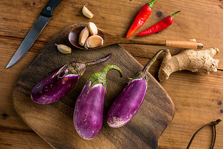 厨房里的茄子图片