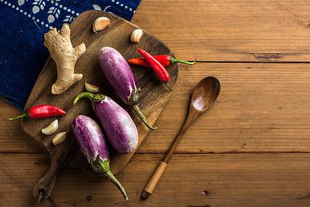 茄子的配菜图片