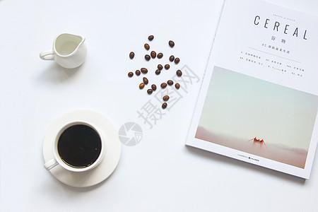 ins风格文艺清新咖啡桌面静物背景图图片