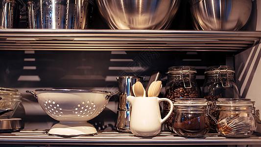 干净整齐的厨房用品图片