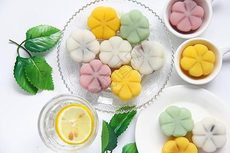 清新简约彩色冰皮月饼中秋美食白底背景素材图片