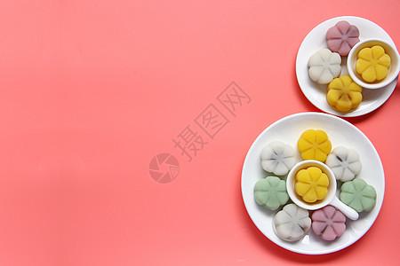 清新简约彩色冰皮月饼中秋美食背景素材图片
