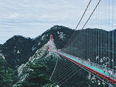 临沂玻璃桥图片