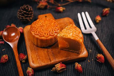 广式中秋月饼图片