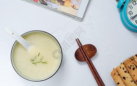 营养丰富早餐小米粥图片