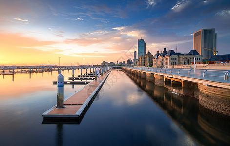 城市风光宁静的港湾图片