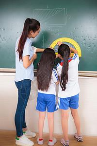学生教室上课课堂图片