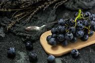 葡萄成熟时图片