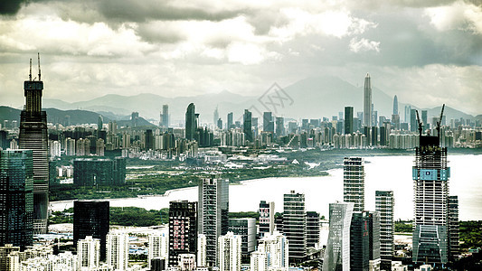 城市建筑云朵天际线图片