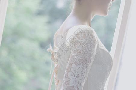 美女婚纱侧影写真图片
