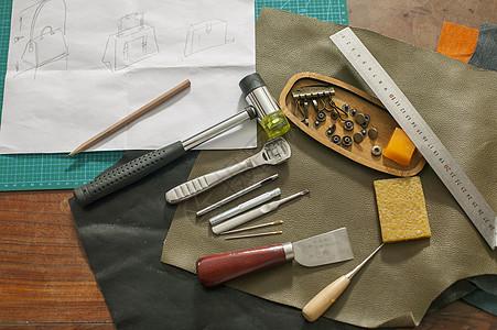皮匠师傅的工具图片