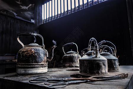 老茶馆茶壶烧开水图片