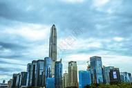 城市建筑风光云朵背景图图片