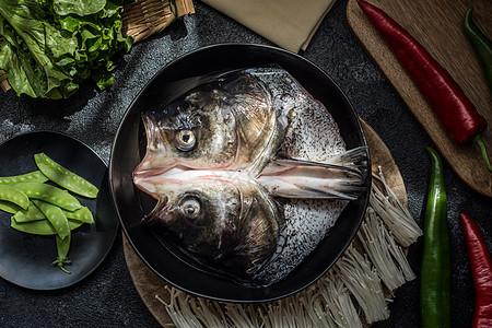 新鲜鱼头煲食材图片图片