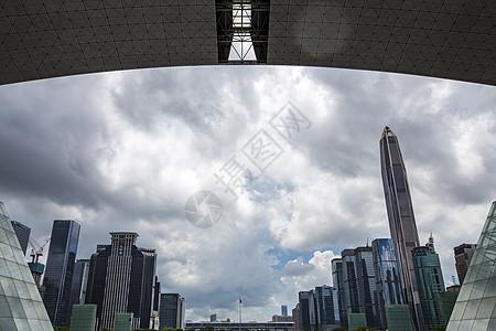 乌云密布下深圳市民中心图片
