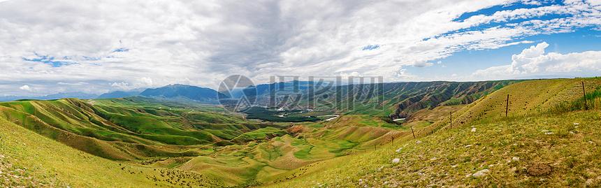 壮美的草原全景图图片