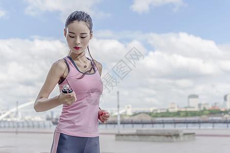 女子运动准备动作图片