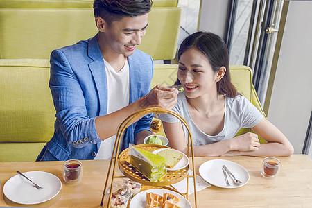男女约会与美食图片