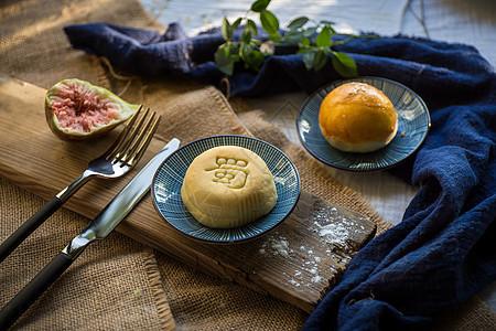 中国风美食中秋月饼图片