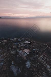 赛里木湖日出图片
