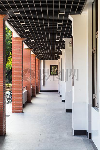 大学校园教室走廊摄影图片免费下载_教育文化图库大全