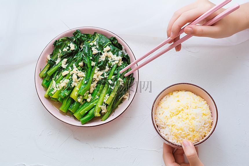 午餐素食蒜蓉白菜图片
