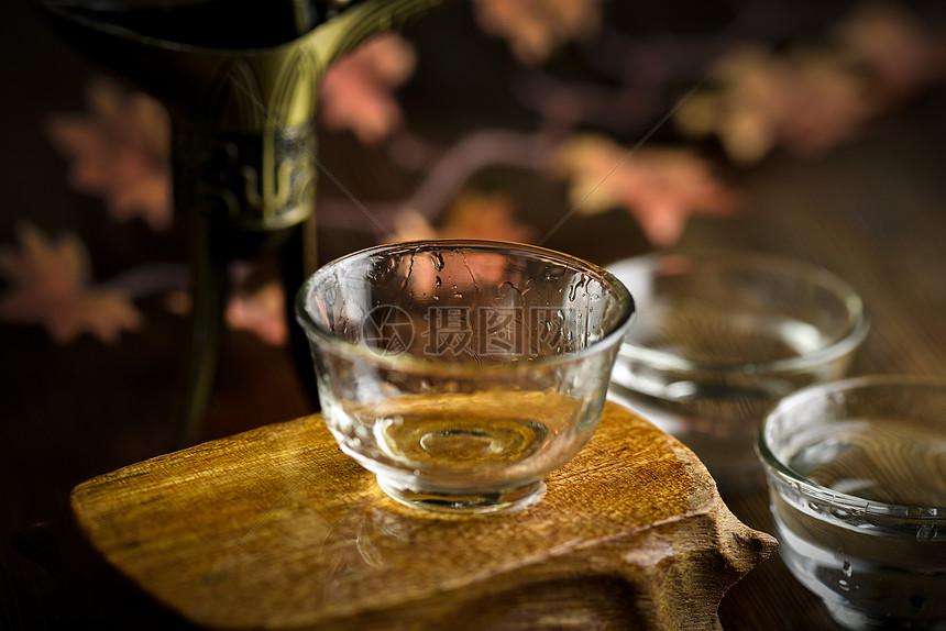 白酒挂杯效果图图片