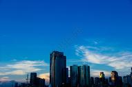 晚霞下的城市图片